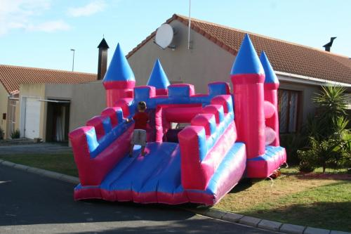 5 x 7 Princess castle with slide